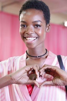 Meet The Victoria's Secret Model Who Just Made History... Twa Hairstyles, Black Women Hairstyles, American Hairstyles, Type 4 Hair, Afro Style, Natural Styles, Victorias Secret Models, Beautiful Black Women, Dark Skin