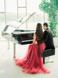 Sultry Red Wedding Inspiration   Photos by Anastasia Bryukhanova