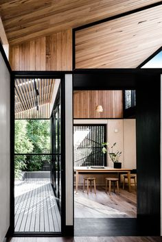 Light Corridor House is a semi-detached worker's cottage in Cremorne, Melbourne, recently renovated by Figr Architecture & Design. Design Exterior, Interior And Exterior, Style At Home, Interior Architecture, Australian Architecture, Online Architecture, Scandinavian Architecture, Light Architecture, Piscina Interior