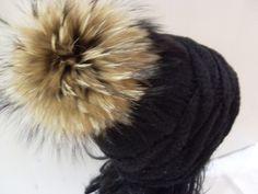 _+Im nettesten Sinne haarig,was es mit der echten Pelz-Bommel-Mütze hier für die Skipiste gibt!_+  Eine sehr hochwertige und außergewöhnliche Kopfb...