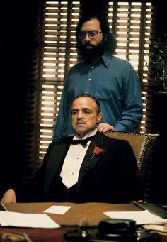 """Francis Ford Coppola e Marlon Brando durante as gravações de """"O Poderoso Chefão"""" (1972)"""