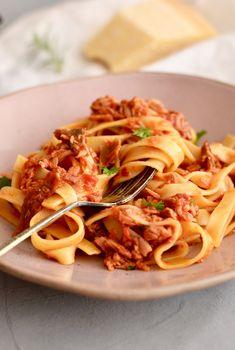 Porcini Mushrooms, Tuna and Tomato Tagliatelle – steak & merlot Porcini Mushrooms, Stuffed Mushrooms, Pasta Sauces, Steak, Spaghetti, Tasty, Ethnic Recipes, Drink, Tagliatelle