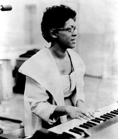 "Shirley Scott (1934 – 2002) was a hard bop and soul-jazz organist. She was most known for working with her husband, Stanley Turrentine, and with Eddie ""Lockjaw"" Davis. She was known as 'Queen of the Organ."