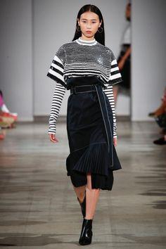Rimondi Spring 2018 Ready-to-Wear Fashion Show Collection Catwalk Fashion, Vogue Fashion, Fashion 2018, Fashion Models, Fashion Outfits, Fashion Trends, Milan Fashion, Womens Fashion, Haute Couture Style