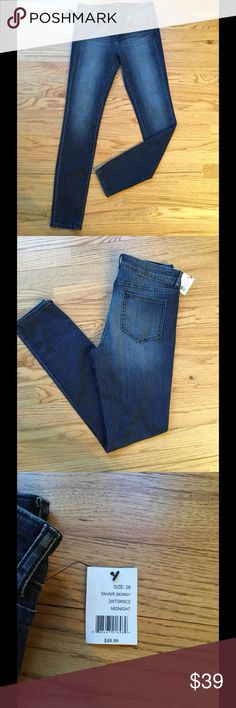 """☀️""""NWT"""" TAHARI JEANS☀️ These are great jeans with a soft feel denim and some stretch to them!    NWT from a great quality brand! 30"""" inseam. Tahari Jeans Skinny"""