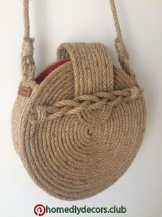 Diy decor Diy decor- Diy decor Diy decor Diy decor Diy decor -#HandmadeBagscute #HandmadeBagseasy #HandmadeBagsjeans #HandmadeBagslinen #HandmadeBagsquotes Crochet Christmas Gifts, Diy Clutch, Round Bag, Burlap Crafts, Macrame Bag, Crochet Flower Patterns, Jute Bags, Diy Bow, Crochet Handbags