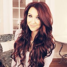 Jaclyn Hill - This girl cracks me up! She's so funny and cheerful. Plus she gives awesome advice on makeup and skin care! And I ADORE her hair!!!