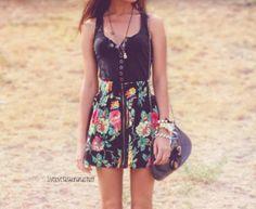 Reminds me of summer. cute dress!