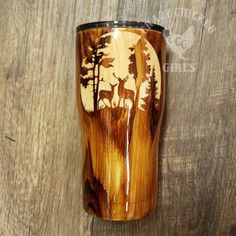 Deer Scene Carved Style Wood Grain Tumbler – crazychickengirls… Source by malatour . Diy Tumblers, Custom Tumblers, Glitter Tumblers, Personalized Tumblers, Tasse Thermos, Cup Crafts, Yeti Cup, Painted Cups, Custom Cups
