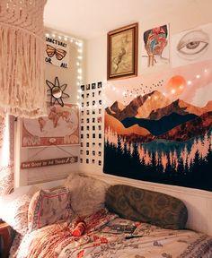 love the mountain poster! Cute Bedroom Decor, Room Ideas Bedroom, Bedroom Inspo, Diy Girl Room Decor, Bedroom Wall, Wall Decor, Nerd Bedroom, Tumblr Room Decor, Diy Wall