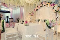 Classic Javanese Decoration with Gebyok. Decor by Suryo Decor - www.thebridedept.com