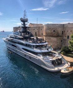 Mega yacht Kismet in Taranto, Italy💸ñ🔥 Yacht Design, Boat Design, Luxury Boat, Luxury Travel, Luxury Cars, Super Yachts, Bateau Yacht, Yatch Boat, Grand Luxe