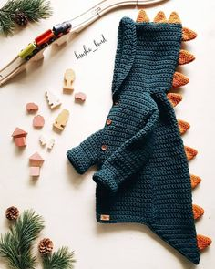 – – # dresses for baby crochet – – - Babykleidung Baby Knitting Patterns, Knitting For Kids, Knitting Designs, Crochet Patterns, Free Knitting, Crochet Dinosaur Patterns, Cardigan Bebe, Crochet Baby Cardigan, Crochet Baby Clothes
