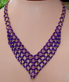 Perfect Purple Necklace Pattern at Sova-Enterprises.com. Lots of free beading…