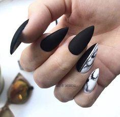 Nails classy 56 Charming Black Nail Art Designs To Try This Winter Black nails for winter; black nails with glitter; Black Almond Nails, Black Nails With Glitter, Black Nail Art, Blue Nails, Black Polish, Chrome Nails Silver, Acrylic Nails Almond Classy, Mat Black Nails, Black Acrylic Nails