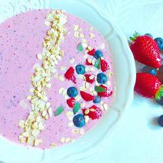 ricetta di Appuntidigusto di Salima e Silvia smoothie alle fragole e mirtilli