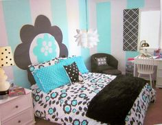 This blue/black/white room is so cute! I need to incorporate BROWN!
