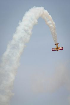 Up and Over! Waterloo Airshow by trouble4dan, via Flickr