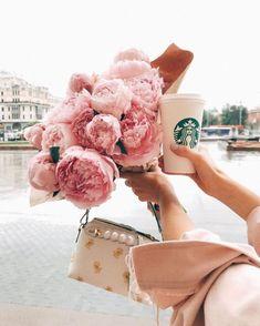 Peonies bag and coffee ❤️ Pretty In Pink, Beautiful Flowers, Pink Peonies, Pink Aesthetic, Flower Aesthetic, Girly Things, Floral Arrangements, Beauty, Poetry Painting