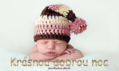 Nebraska based photographer Tracy Raver is gaining national attention for her adorable sleeping baby photos. So Cute Baby, Baby Love, Funny Babies, Cute Babies, Knitted Hats, Crochet Hats, Anne Geddes, Crochet Bebe, Cute Baby Pictures