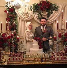 WEBSTA @tuanahediyelik Büşra ve Abdullah çiftinin en mutlu gününe yüzük tepsimiz çiçek ve çikolata sunumumuz ile katıldık. Masanın şahane dekoru @jasmineorganizasyon  Yasemin Hanımın emeğine sağlık...