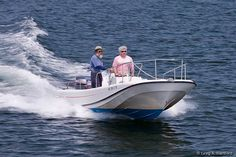 The 21 foot Boston Whaler Outrage motorboat rental in Manset