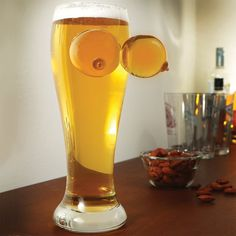 This Naughty Boobies Beer Glass will become a big hit in St Patricks Day party. Cheers, Beer Pint Glasses, Gag Gifts For Men, Ny Style, Wine And Spirits, Kitchen Gadgets, St Patricks Day, Funny Gifts, Gift Ideas