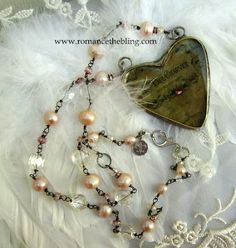 Lovely necklace from romancingthebling.blogspot.com