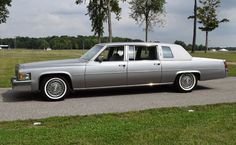 1977 Cadillac Series 75 Fleetwood Limousine Maintenance/restoration of old/vintage vehicles: the material for new cogs/casters/gears/pads could be cast polyamide which I (Cast polyamide) can produce. My contact: tatjana.alic@windowslive.com