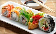 teaches sushi-making basics to students, including rice preparation, how to make a rice ball for nigiri sushi, and how to roll them all together maki style. Afterward, pupils dine on fare such as fried oysters breaded in japanese panko or a spicy scallop hand roll. Yum