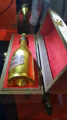 Normal 0 21 false false false DE X-NONE X-NONE MicrosoftInternetExplorer4... Box, Whiskey Bottle, Luxury, Drinks, Champagne, Rhinestones, Flasks, Drinking, Snare Drum