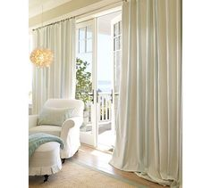 Love the drapes!