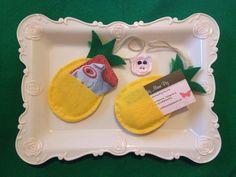 Felt Pineapple Hair Clips Holder / Giftcard Holder - pineapple print hanging egg ornammet cute home decal room decor gift card holder gifts - Etsy shop https://www.etsy.com/listing/505547660/felt-pineapple-hair-clips-holder