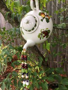 Garden Decor Items, Garden Gifts, Etsy Handmade, Handmade Art, Handmade Gifts, Colorful Fruit, Fruit Pattern, Upcycled Crafts, Yard Art