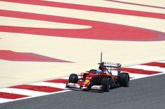 """Dopo la figuraccia di domenica, la Ferrari sembra trovare finalmente in bandolo della matassa già nella prima giornata di test in-season in Bahrain. Certo, la Mercedes di Rosberg è sempre davanti a tutti, ma Alonso riduce il distacco da 2""""4 a 929 millesimi, facendosi passare davanti solo da Hulkemberg. McLaren e Williams affannano leggermente e la Marussia si piazza addirittura davanti alla Red Bull, che pare aver fatto un passo indietro… Sempre in crisi nera la Lotus."""