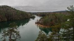 Another of the fun and exciting South Carolina state parks that line the Cherokee Foothills Scenic Highway, Keowee Toxaway offers two hiking trails that take visitors over a natural bridge and throu…