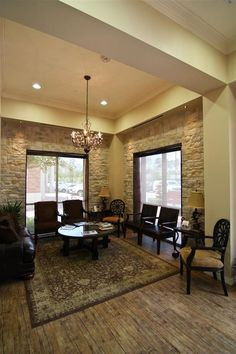 This is our waiting room size and window placement / use this to help make choices Chiropractic Office Design, Waiting Room Design, Office Plan, Office Ideas, Optometry Office, Medical Office Decor, Office Waiting Rooms, Dental Office Design, Office Designs