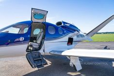 Small Airplanes, Airplane For Sale, Time And Weather, Cape Girardeau, Usa Cities, Landing Gear, Grey Leather, Aviation, Aircraft