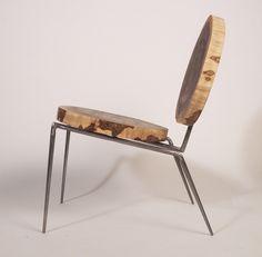 非常にシンプルな丸太の椅子。 lounge chair
