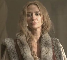 The White Queen Starring: Janet McTeer as Jacquetta Woodville, Lady Rivers, Elizabeth Woodville's mother. Elizabeth Woodville, The White Princess, White Queen, Janet Mcteer, Vikings 2, Anne Neville, Philippa Gregory, Dramatic Arts, Wars Of The Roses
