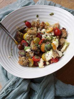 Healthy Comfort Food, Mozzarella, Food Dishes, Cobb Salad, Tasty, Sweet, Recipes, Candy, Recipies