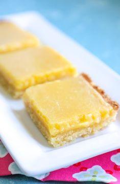 Keto Lemon Bars #ibih #lowcarb #keto #ketodiet  #glutenfree #atkins #ketorecipes #ketodessert #lemon #ketolemondessert #ketodessertrecipes #lemondessert #lemonbars #ketobaking