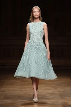 Tony Ward Couture Fall Winter 2014/15 Collection I Style 01