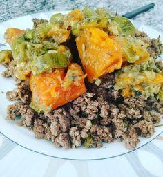 Carne moída com o mix: abóbora e abobrinha . Para mais 23 receitas low-carb grátis acesse o link da minha bio ( http://ift.tt/29YBk7P ) . . #senhortanquinho #paleo #paleobrasil #primal #lowcarb #lchf #semgluten #semlactose #cetogenica #keto #atkins #dieta #emagrecer #vidalowcarb #paleobr #comidadeverdade #saude #fit #fitness #estilodevida #lowcarbdieta #menoscarboidratos #baixocarbo #dietalchf #lchbrasil #dietalowcarb