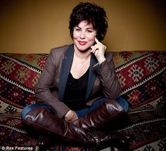 Ruby Wax - see her live, fantastic! Ruby Wax, Me Tv, Kinds Of People, Life Inspiration, Funny People, Change The World, Comedians, Love Of My Life, Make Me Smile