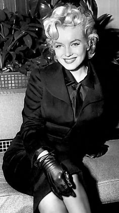 """Marilyn interview before filming  """"Bus Stop"""""""