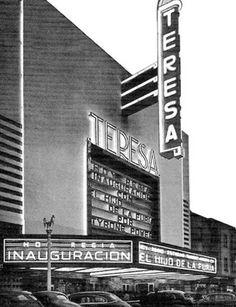 """El 8 de junio de 1942 fue reinaugurado el cine Teresa, uno de los más emblemáticos del Centro Histórico, ubicado en la avenida San Juan de Letrán, actualmente el Eje Central. En la marquesina se anuncia la cinta """"El hijo de la furia"""", con la cual volvía a http://produccioneslara.com/pelicula-duro.php"""