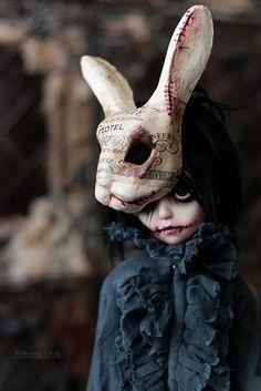 Fantasy | Whimsical | Strange | Mythical | Creative | Creatures | Dolls | Sculptures | Remains bjd — 廃ホテルを彷徨う小さな幽霊