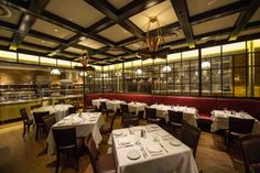 http://newyorksmash.com/wp-content/uploads/2014/02/Gallaghers-Steakhouse-Dining-Room.jpg