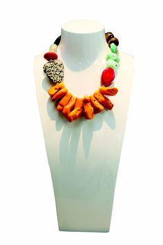 Kirsten Goss necklace Shell Jewelry, Tribal Jewelry, Jewelry Art, Jewelry Design, Ceramic Necklace, Ceramic Beads, Handmade Beaded Jewelry, Bijoux Diy, Beading Tutorials